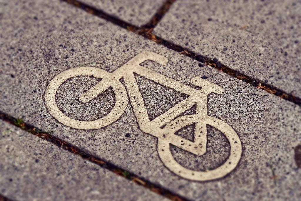Fahrradzeichen auf dem Boden